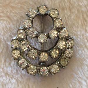 Jewelry - Vintage clear rhinestone brooch